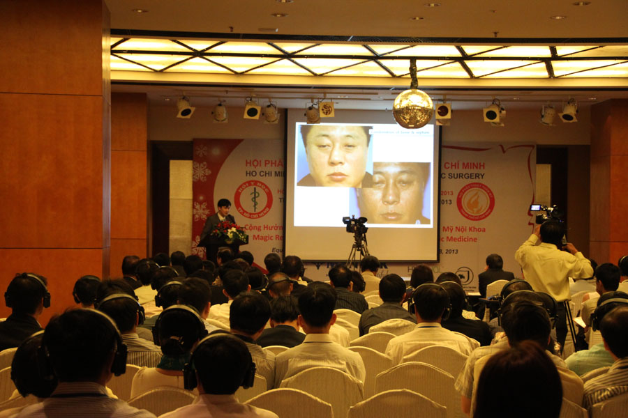Speaker of the National Congress of Plastic and Aesthetic Surgery of Vietnam