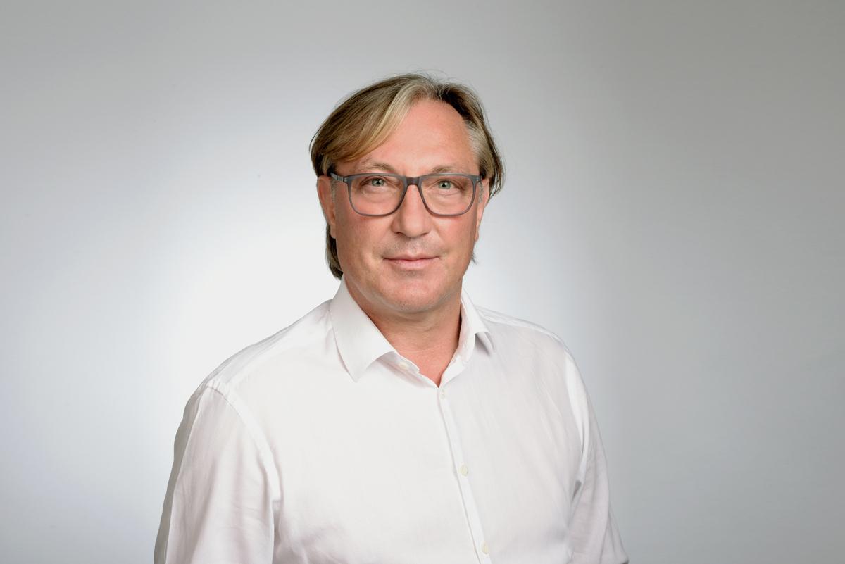 dr peter caspari